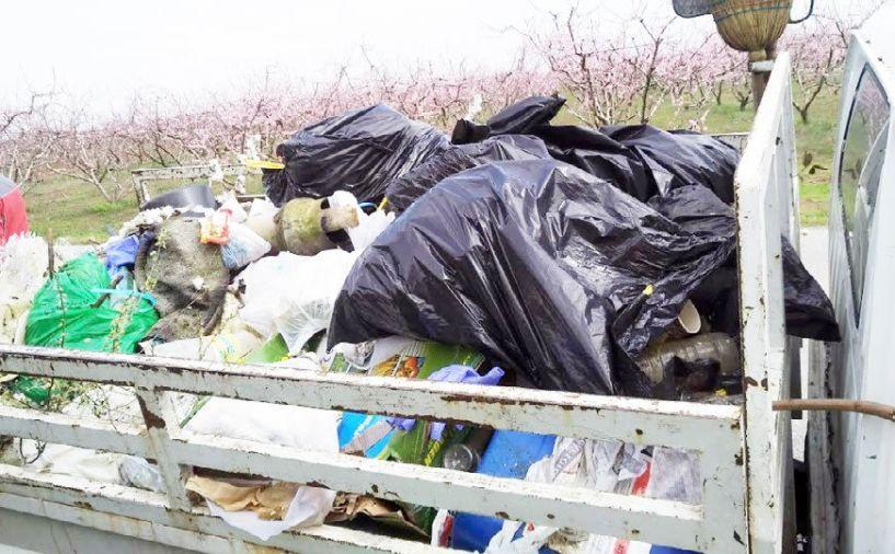 Μπράβο σ' αυτούς που καθαρίζουν, ντροπή για αυτούς που ρυπαίνουν