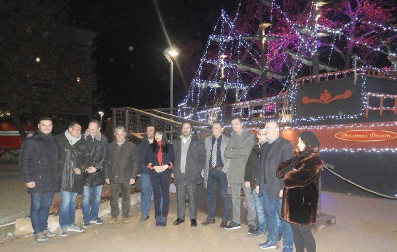 Καθημερινές εκδηλώσεις με επίκεντρο το Καράβι των Ξωτικών στην Πλατεία της Εληάς