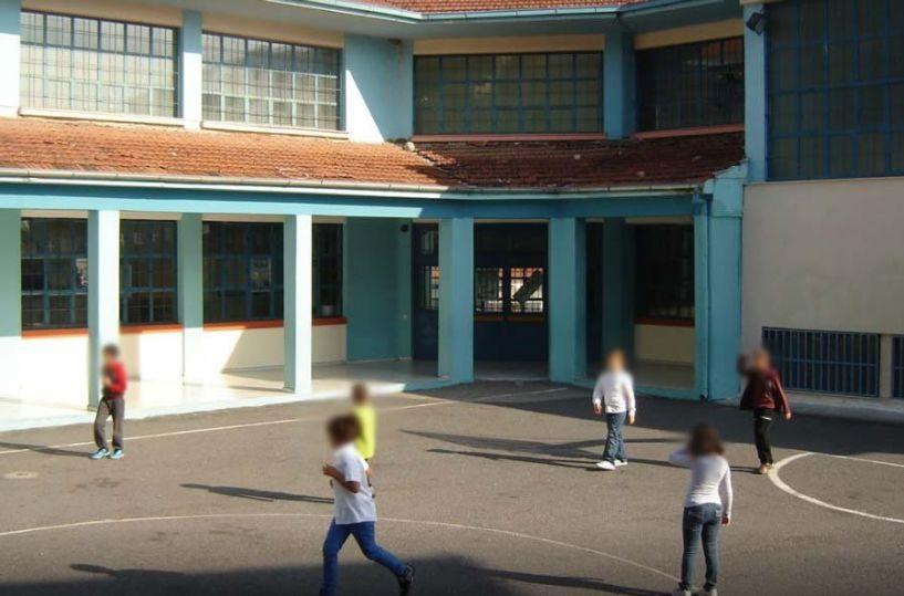 SMS στο 13033 για τα σχολεία: Ο κωδικός που θα στέλνουν οι γονείς από τη Δευτέρα