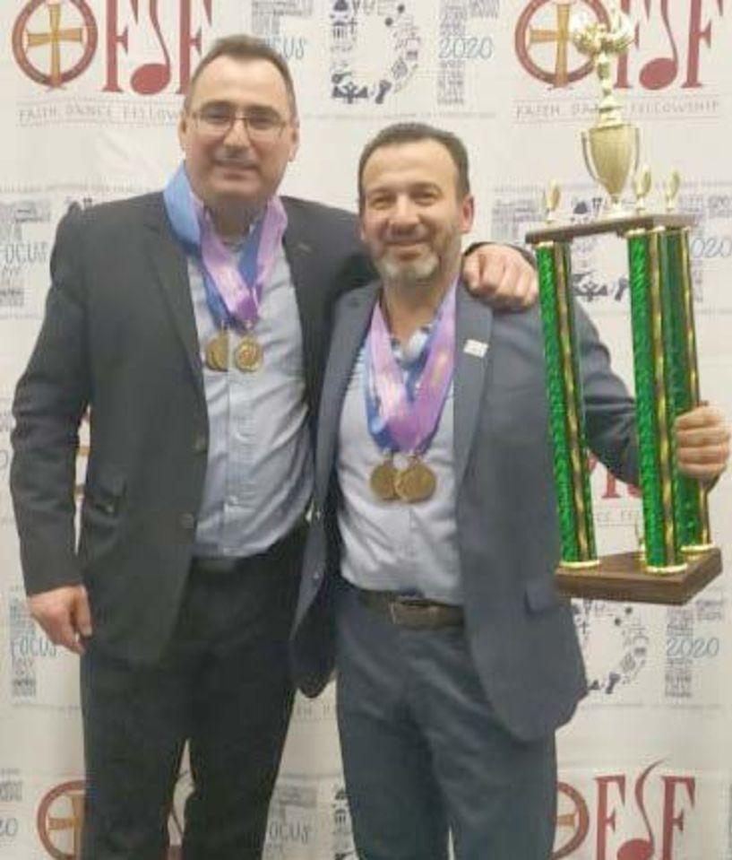 4 χρυσά και βραβείο καλύτερης παρουσίασης   για την ομάδα της Ημαθίας, στο μεγάλο Φεστιβάλ Παράδοσης της Ομογένειας, στην Αμερική