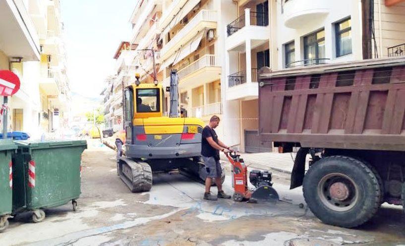 Ξαφνική βλάβη κατά τις εργασίες της ΔΕΥΑΒ στη Σκρά και Καρατάσου, έκοψε για αρκετές ώρες το νερό στην περιοχή