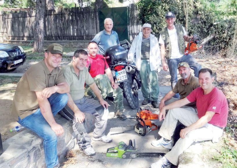 Η Λέσχη Καταδρομέων Ημαθίας  καθάρισε το πάρκο της Νάουσας