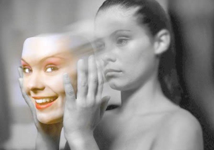 Έκφραση της Ψυχής  ως σύμμαχος της Υγείας… - «Ποιοι είμαστε, αν αφαιρεθεί η μάσκα του ρόλου;…»