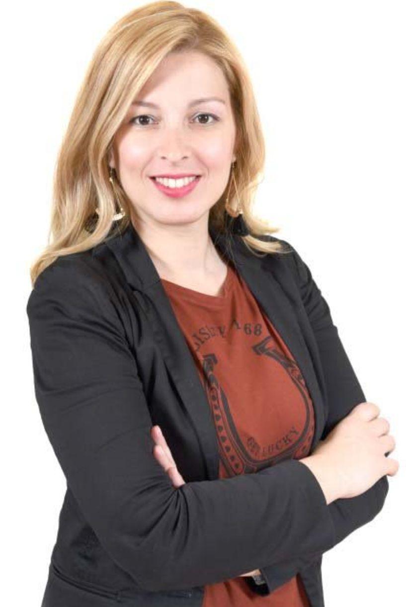 Αντωνία Παπανδρώνη  Βιογραφικό της υποψήφιας δημοτικής συμβούλου   με τον συνδυασμό   του Παύλου Παυλίδη   «Συνδημότες»