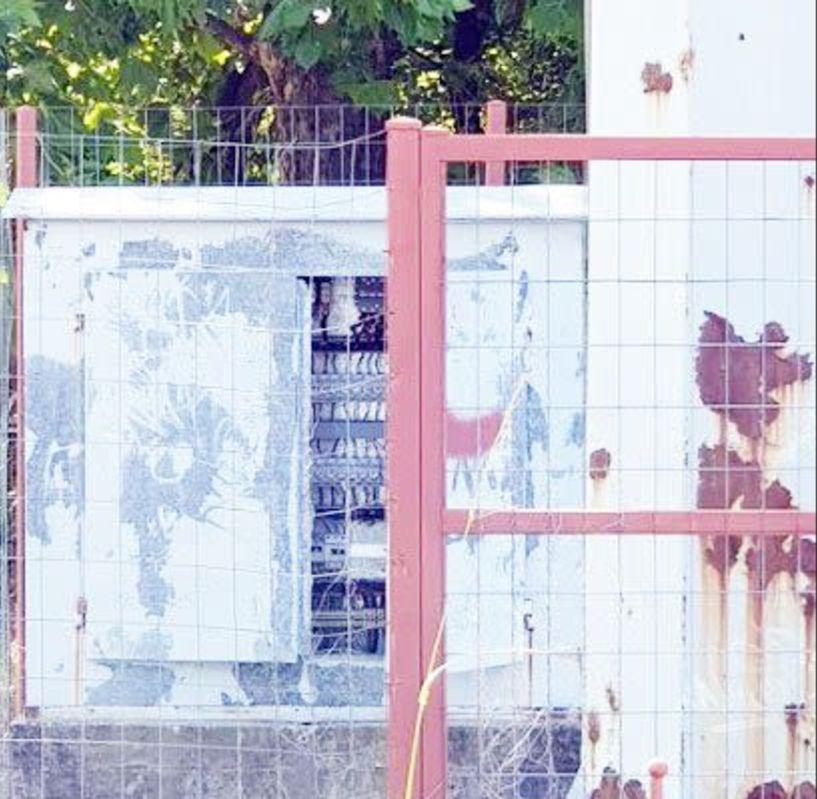 «Ανοιχτό» κουτί ρεύματος  και στο ΔΑΚ Μακροχωρίου