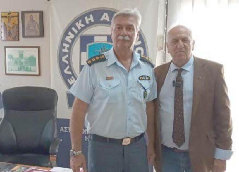 Ο πρόεδρος του   Δικηγορικού Συλλόγου Βέροιας στον νέο   Διευθυντή Αστυνομίας