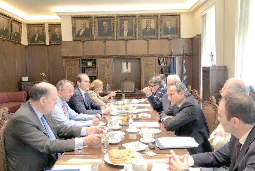 Συνάντηση Σταϊκούρα,  Βεσυρόπουλου, Φορτσάκη με τον Εμπορικό Σύλλογο Αθηνών για θέματα οικονομίας και εμπορίου