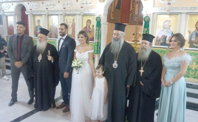 Ο πρόεδρος του Δικηγορικού Συλλόγου Βέροιας πάντρεψε τον γιο του, Αντώνη Καραβασίλη με την Βιολλέτα Ηλιάδου (Εικόνες)