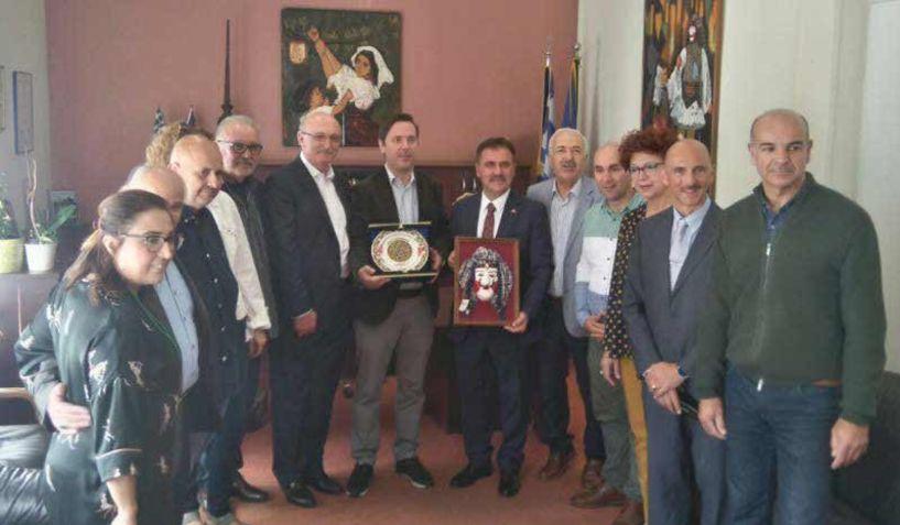Ο Δήμαρχος της Αργυρούπολης επικεφαλής τουρκικής αποστολής που προσκλήθηκε στη Νάουσα από την Εύξεινο Λέσχη