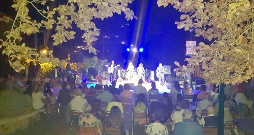 Άνοιξε  τις πύλες του   το 2ο Naoussa Street Festival