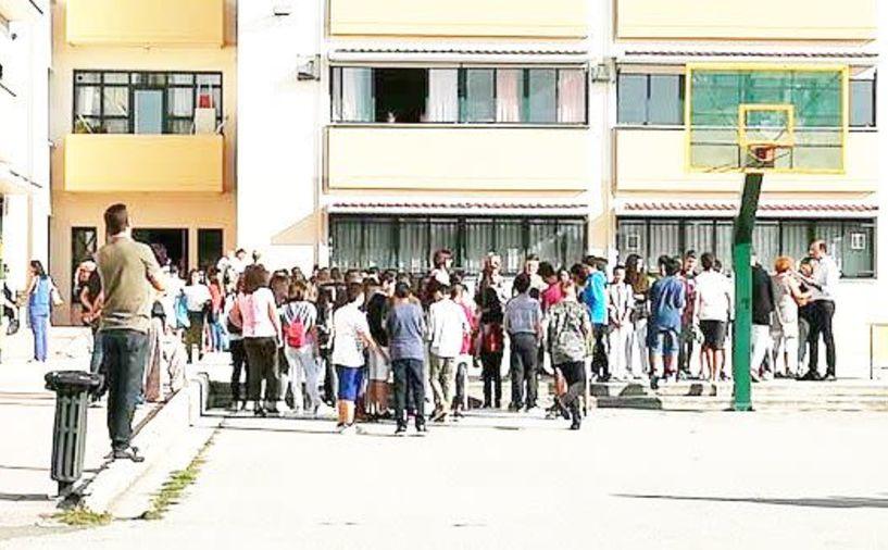 Την Τρίτη ανοίγουν  τα σχολεία