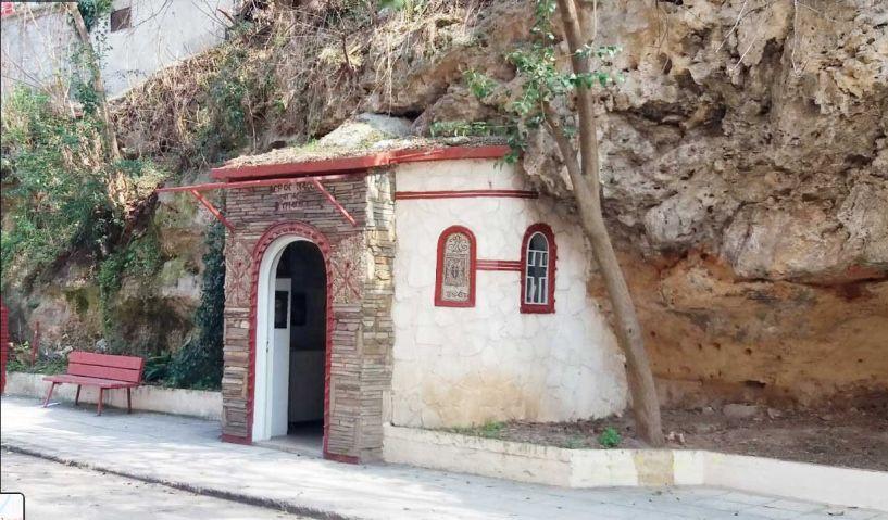 Βεροιώτικα και Λαογραφικά -  Αγία Κυριακή Πρωτότυπος ναΐσκος στη Βέροια «Το ρουμλουκιώτικο μοναστήρι» *Του Μάκη Δημητράκη