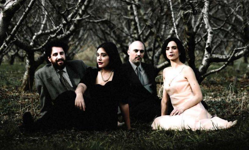 «Ανθισμένες ροδακινιές» σε σκηνοθεσία Χάρη Πεχλιβανίδη, από την   Κεντρική Σκηνή του  ΔΗ.ΠΕ.ΘΕ.