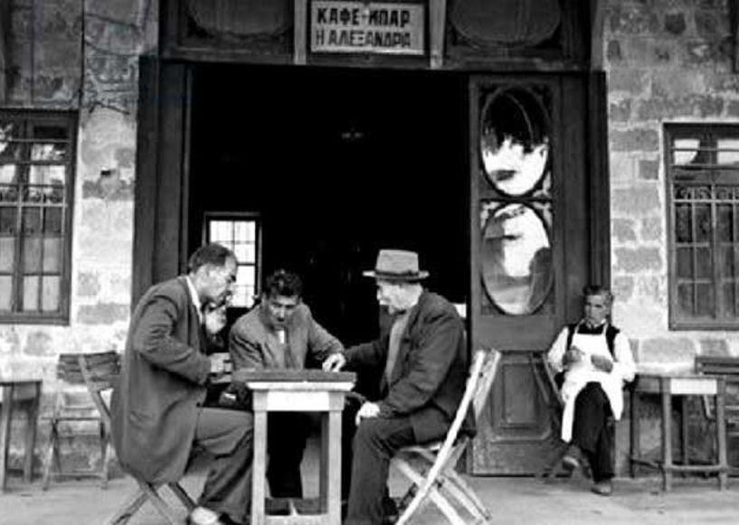 Στους καφενέδες της Βέργιας  (τον καιρό της γρίπης !!!) *Του Πάρη Παπακανάκη