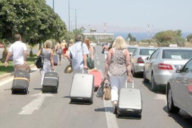 ΙΝΕΜΥ και ΕΣΕΕ για την τουριστική κίνηση και τις επιπτώσεις της στο εμπόριο
