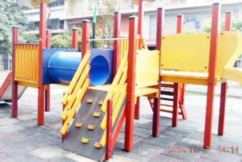 Σε εξέλιξη οι εργασίες συντήρησης παιδικών χαρών του Δήμου Αλεξάνδρειας