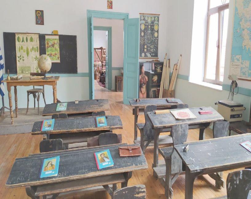 Το παραδοσιακό Αρκοχώρι αποκαλύπτει τις μνήμες του, στο παλιό δημοτικό σχολείο της Πλατείας (εικόνες)
