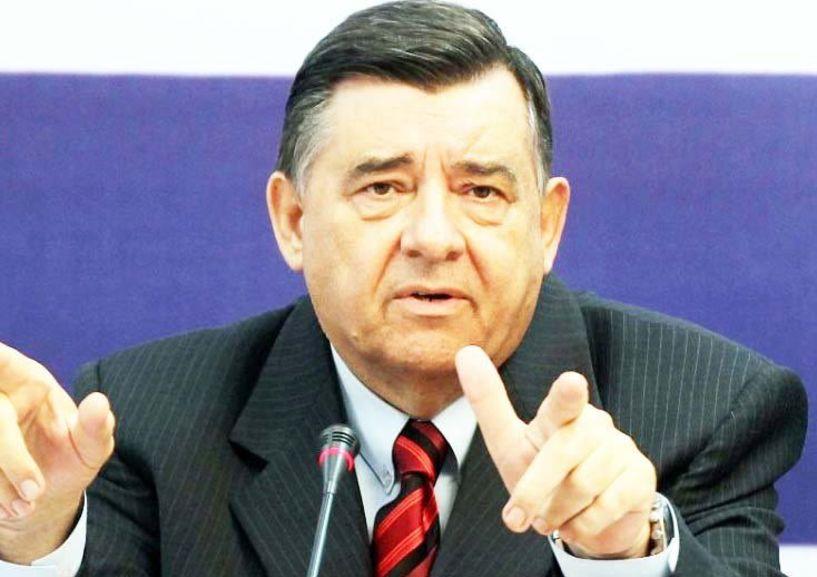 Ο πρόεδρος του ΛΑ.Ο.Σ. Γιώργος Καρατζαφέρης μίλησε ζωντανά στον ΑΚΟΥ 99.6