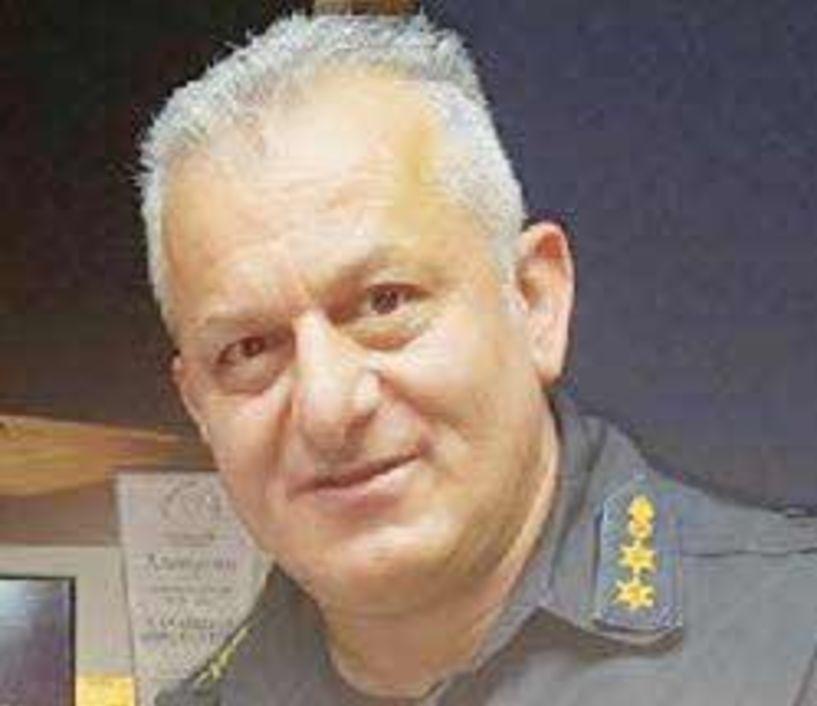 Με τον βαθμό του Πυράρχου, παραμένει Διοικητής  της Πυροσβεστικής Ημαθίας, ο Νίκος Παλαμούτης
