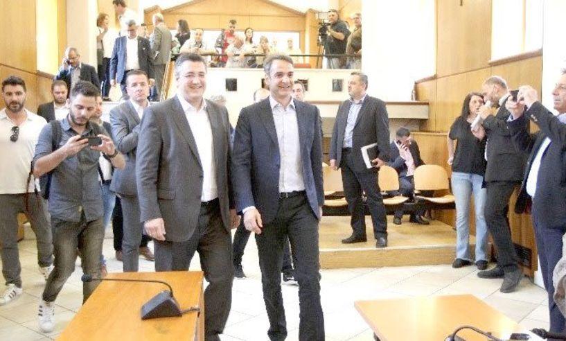 Συνάντηση Μητσοτάκη - Τζιτζικώστα: «Οι εθνικές  εκλογές θα προηγηθούν των αυτοδιοικητικών εκλογών»