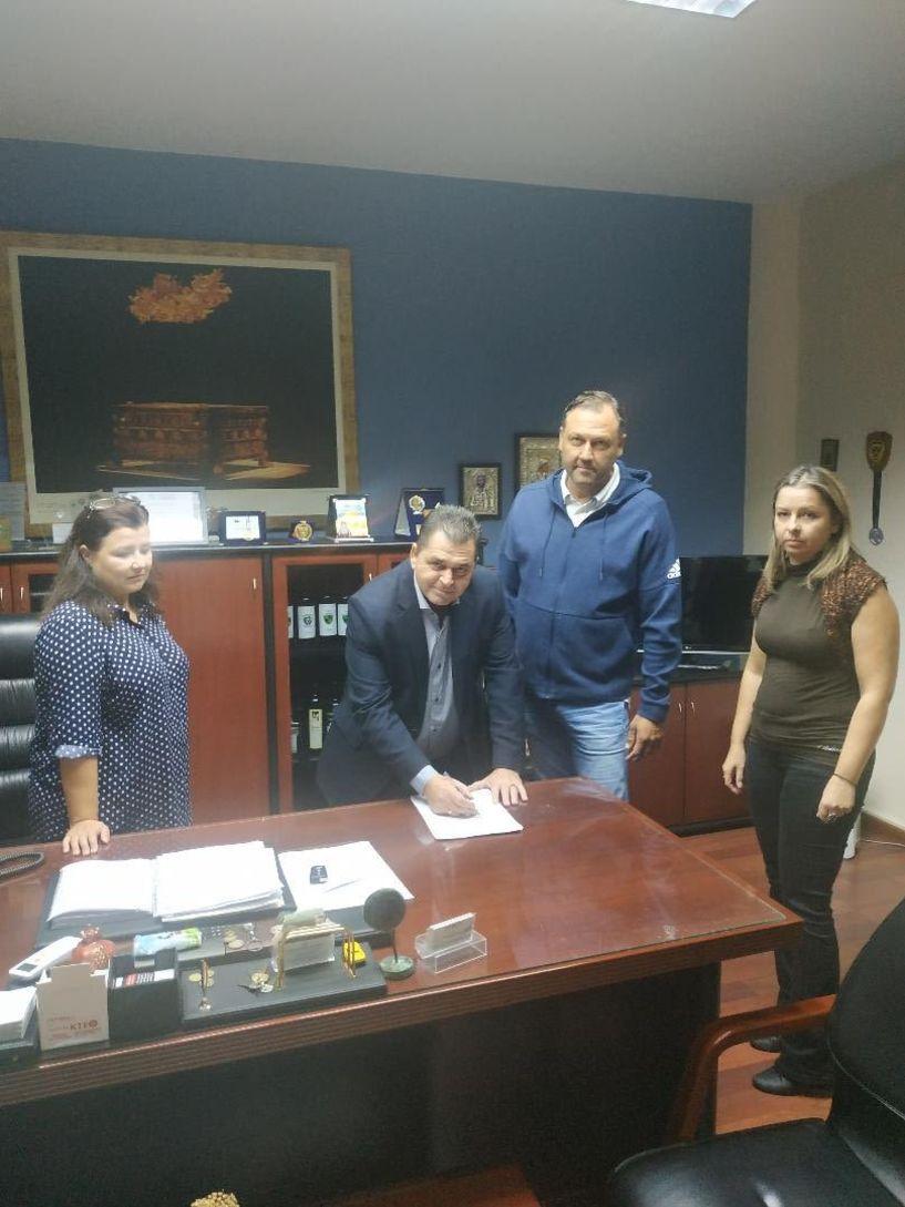 Υπογράφηκε η σύμβαση για την κατασκευή και βελτίωση δρόμων του Δήμου Αλεξάνδρειας