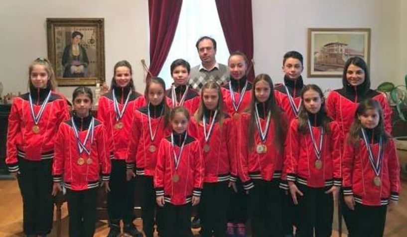 Αθλητές της Ακροβατικής Γυμναστικής του Φιλίππου στον Δήμαρχο Βέροιας