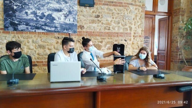 Βράβευση της ομάδας Ρομποτικής του 3ου ΓΕΛ Βέροιας από τον Δήμαρχο Κωνσταντίνο Βοργιαζίδη (Εικόνες)