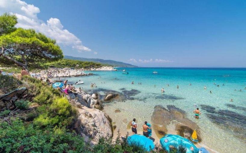 Χαλκιδική: Οι 10 κορυφαίες παραλίες... για τις πρώτες βουτιές! (ΦΩΤΟ)
