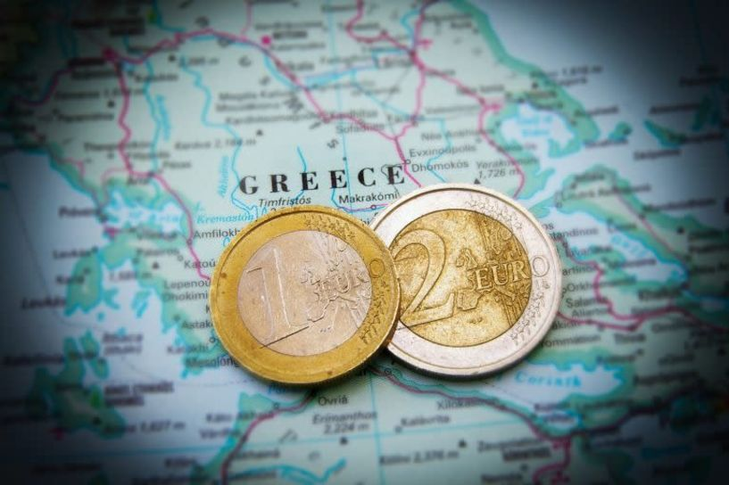 Δεν ξεχρεώνουν… ούτε τα δισέγγονα μας - «Μαύρες» προβλέψεις για το ελληνικό χρέος
