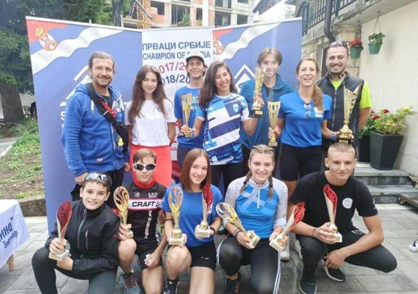 Διεθνείς διακρίσεις σε αγώνες ρόλλερσκι στο Ζλάτιμπορ της Σερβίας. Διακρίθηκαν αθλητες του ΕΟΣ Νάουσας και του ΣΧΟ Βέροιας